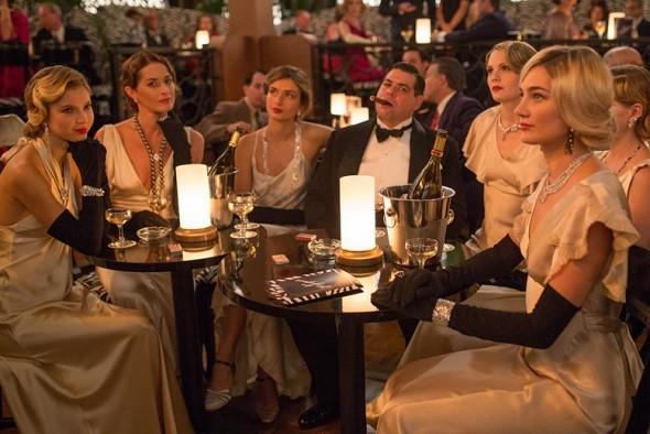 "Atrizes usam joias Chanel em ""Café Society""."