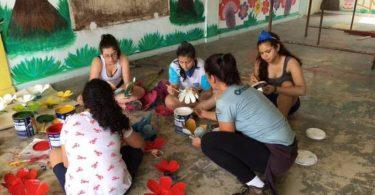 REGENCIA ES 04/11/2016  ESPECIAL  / TRAGEDIA BARRAGEM LAMA / MARIANA / SAMARCO  Alunos do colégio Sidarta, de Cotia, na Grande São Paulo, reformaram e montaram um parque sensorial para os alunos da creche de Regência, em Linhares. Crédito: Divulgação