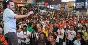 ney-santos-prb-foi-eleito-prefeito-de-embu-das-artes-na-grande-sao-paulo-o-politico-ja-foi-investigado-por-envolvimento-com-a-faccao-criminosa-pcc-1475510428372_615x300