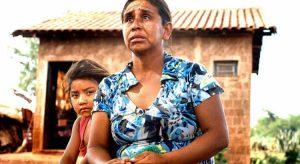 Mãe e filha da tribo Guarani- Kaiowá