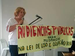 Délia Costa apresentando o pensamento do MDGV em Audiência Pública em 2014